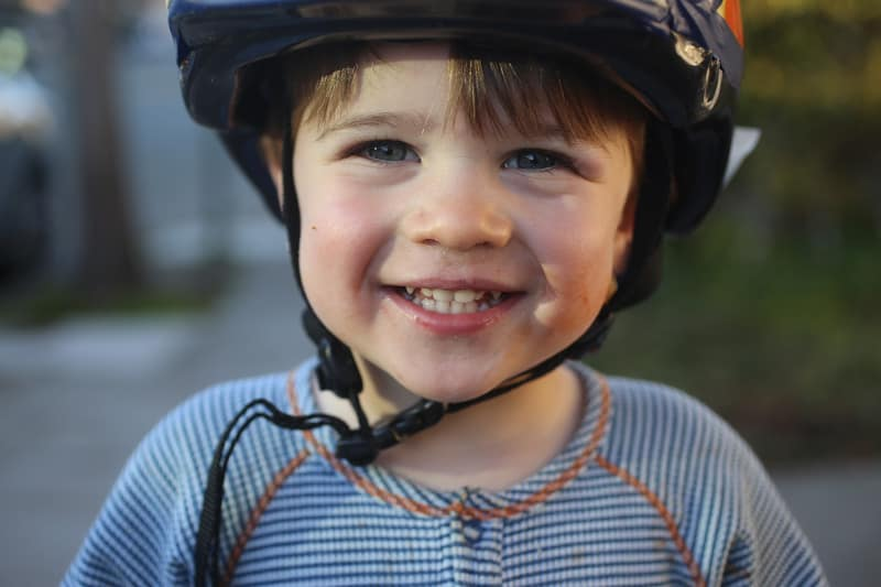 nico_boon_helmet_smile_800